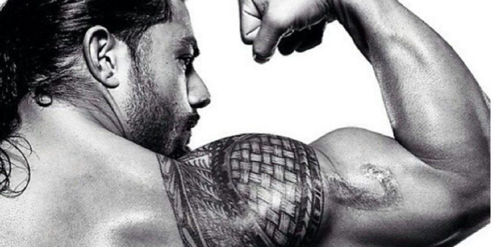 Roman Reigns: Tiene el brazo derecho un tatuaje que brinda un tributo a las tradiciones samoanas Foto:WWE