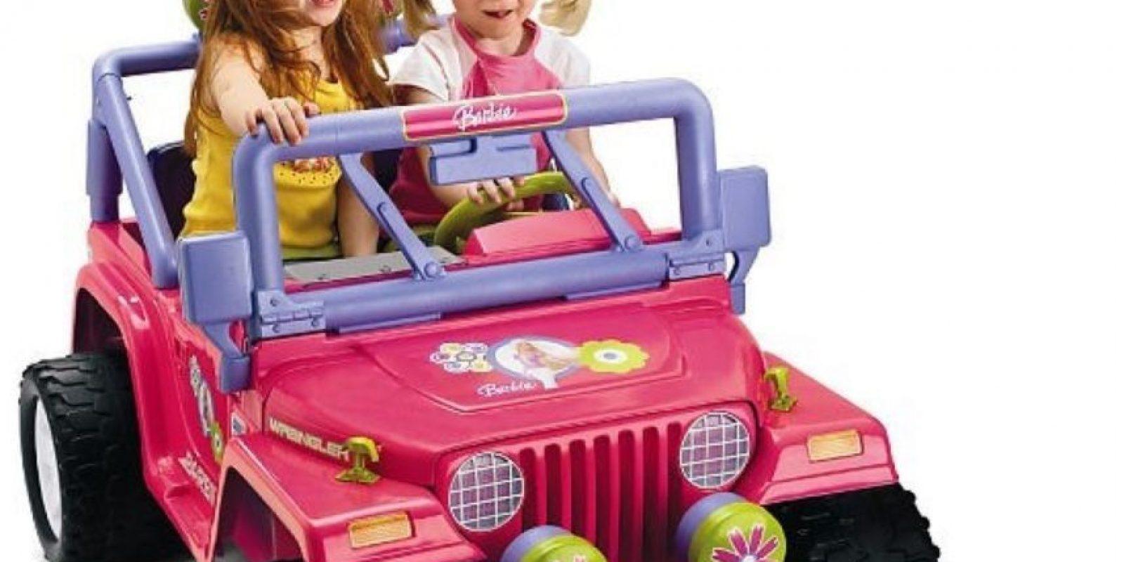 El carro (real) de la Barbie Foto:Imgur