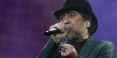 El cantante Joaquín Sabina durante el concierto que ofrece, esta noche, en el Palacio de los Deportes de la Comunidad de Madrid. EFE