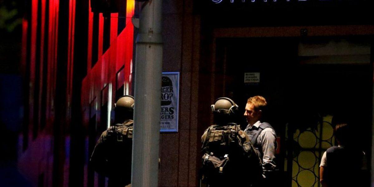 Sidney: Policía irrumpe en cafetería y libera a rehenes