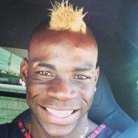 Las mejores imágenes del Instagram del futbolista italiano Foto:Instagram: @mb459