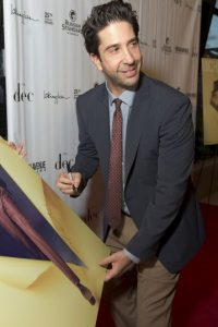 Comenzó su carrera como actor al participar en obras escolares escenificadas en la Beverly Hills High School Foto:Getty Images