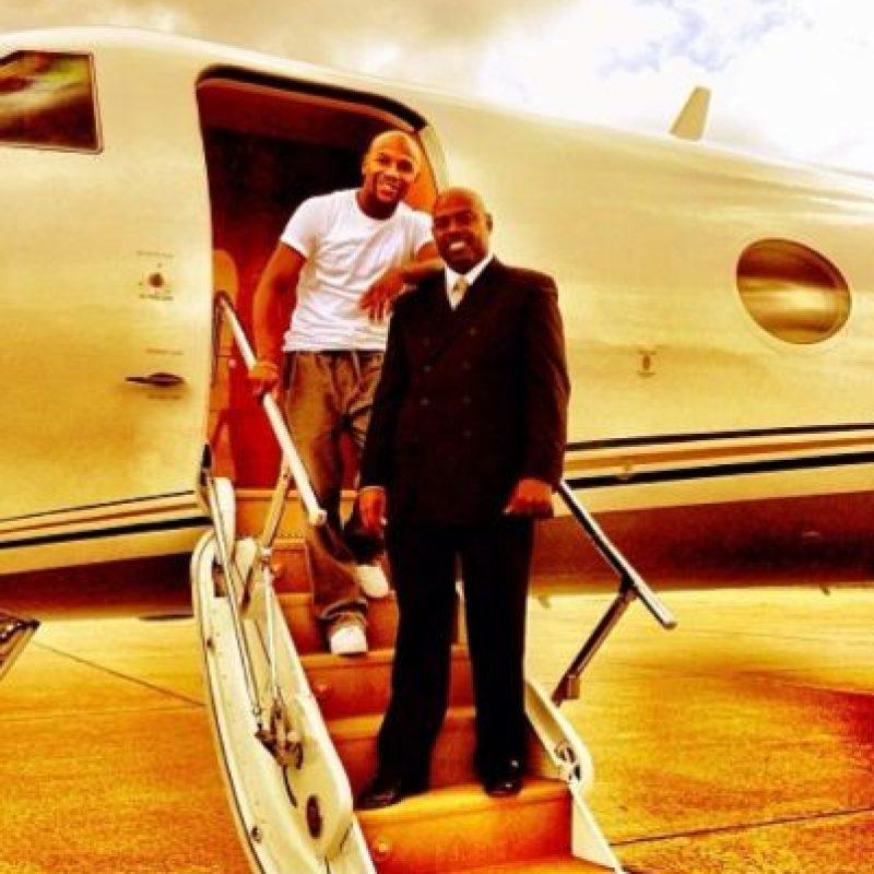Su jet privado lo transporta a todos lados. Foto:instagram.com/floydmayweather