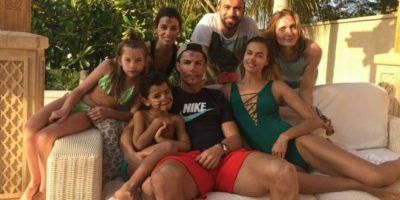 Cristiano disfruta con su novia, familia y amigos. Foto:twitter.com/Cristiano