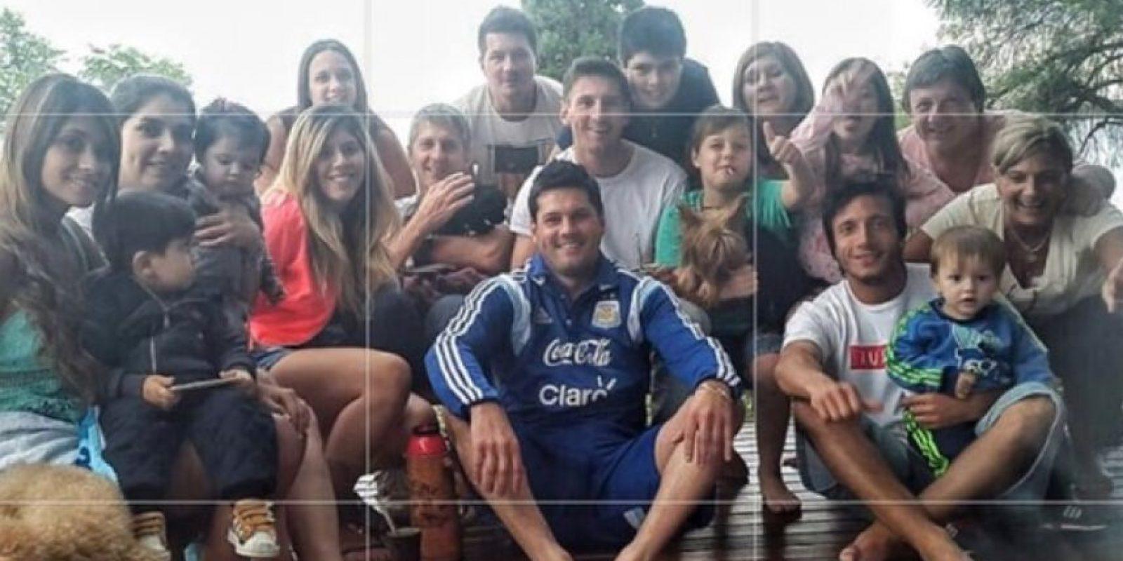 Messi con su familia y amigos en Argentina. Foto:instagram.com/leomessi