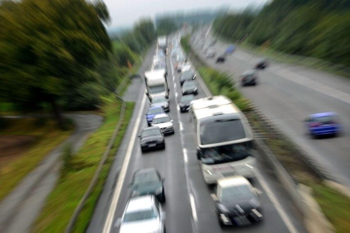 En su auto siempre debe llevar un botiquín de primeros auxilios, señales de alerta, paquete básico de herramientas Foto:Getty Images