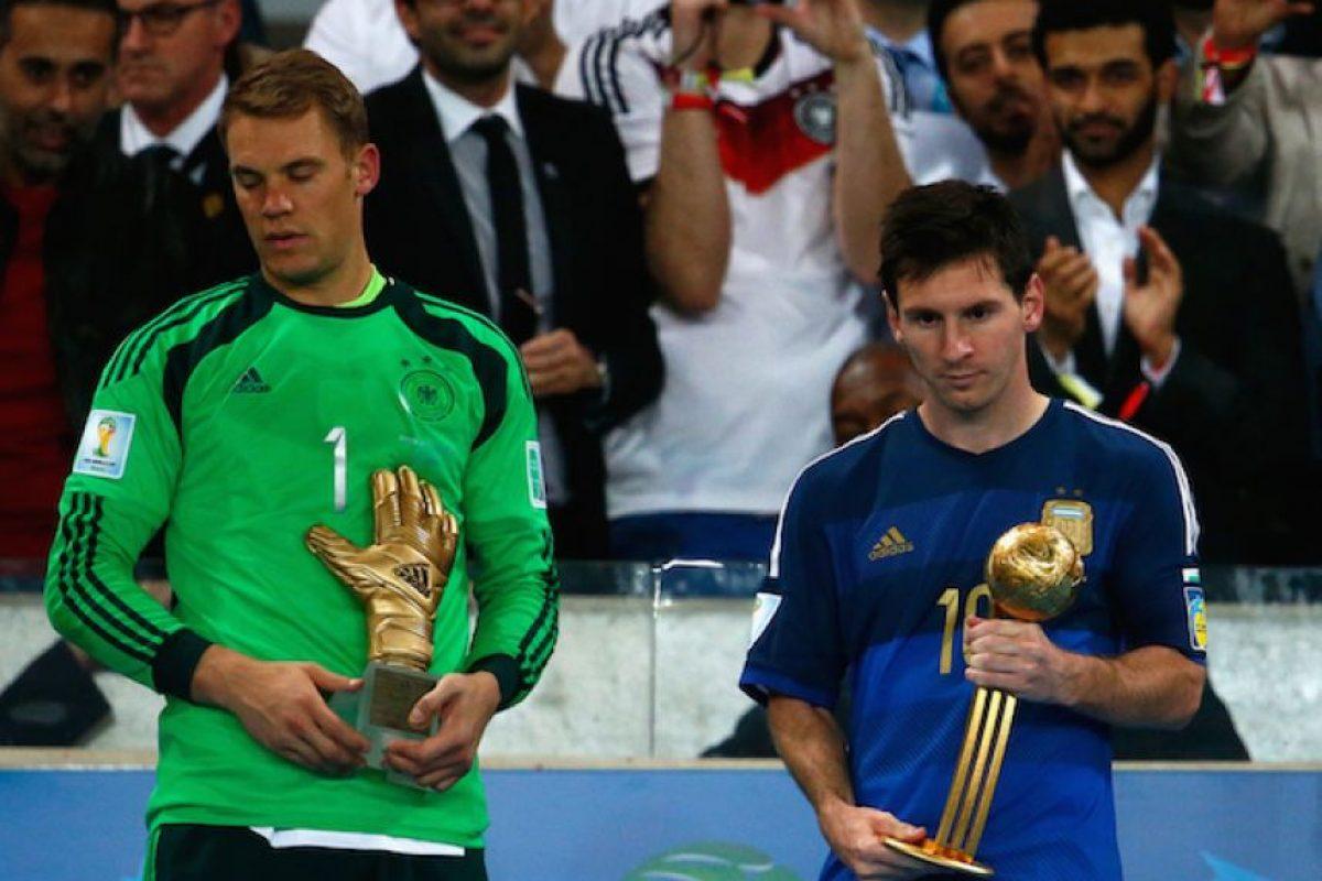 Manuel Neuer fue le mejor portero del Mundial y Lionel Messi fue elegido como el mejor jugador, en una polémica elección Foto:Getty