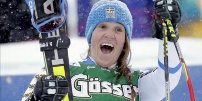 La esquiadora sueca, Sara Hector, tras ganar en la prueba de gigante disputada en la estación austríaca de Kuehtai. EFE