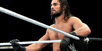 Ostenta el maletín de Dinero en el Banco, con el que puede pedir una pelea titular cuando lo desee Foto:WWE