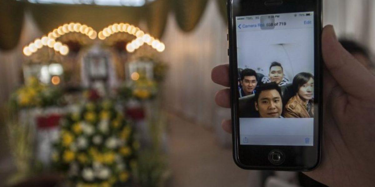 FOTO: La última selfie en el vuelo QZ8501 de Air Asia