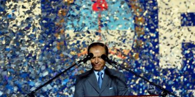 El polémico ex presidente argentino fue acusado de no reconocer a Carlos Nair Meza, hijo que había tenido con la ex diputada argentina Martha Elizabeth Meza. Foto:Getty Images