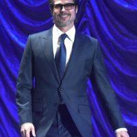 Brad Pitt lució un traje y corbata oscuros Foto:Getty Images