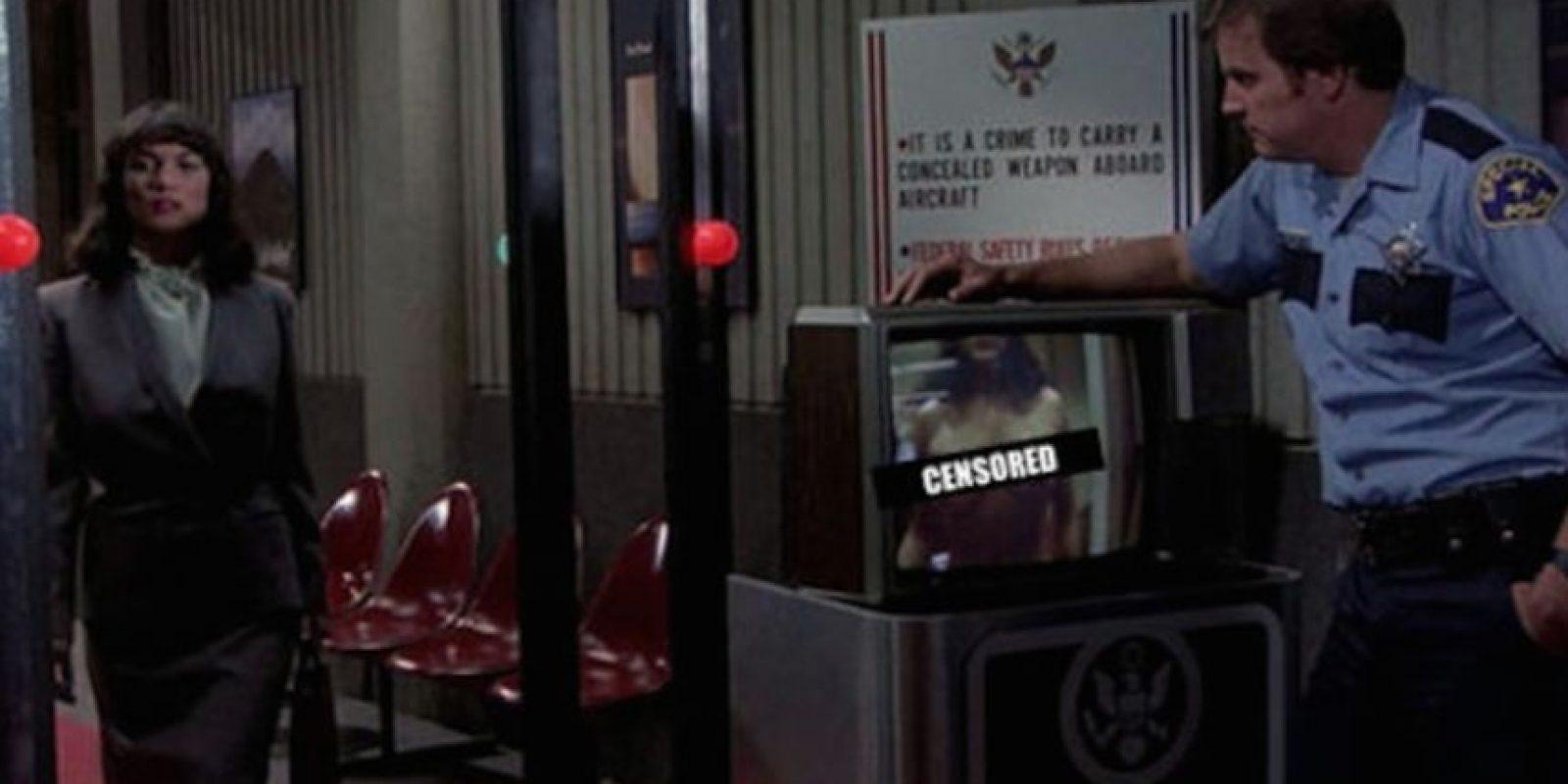 Detectores de metales para los aeropuertos Foto:YouTube