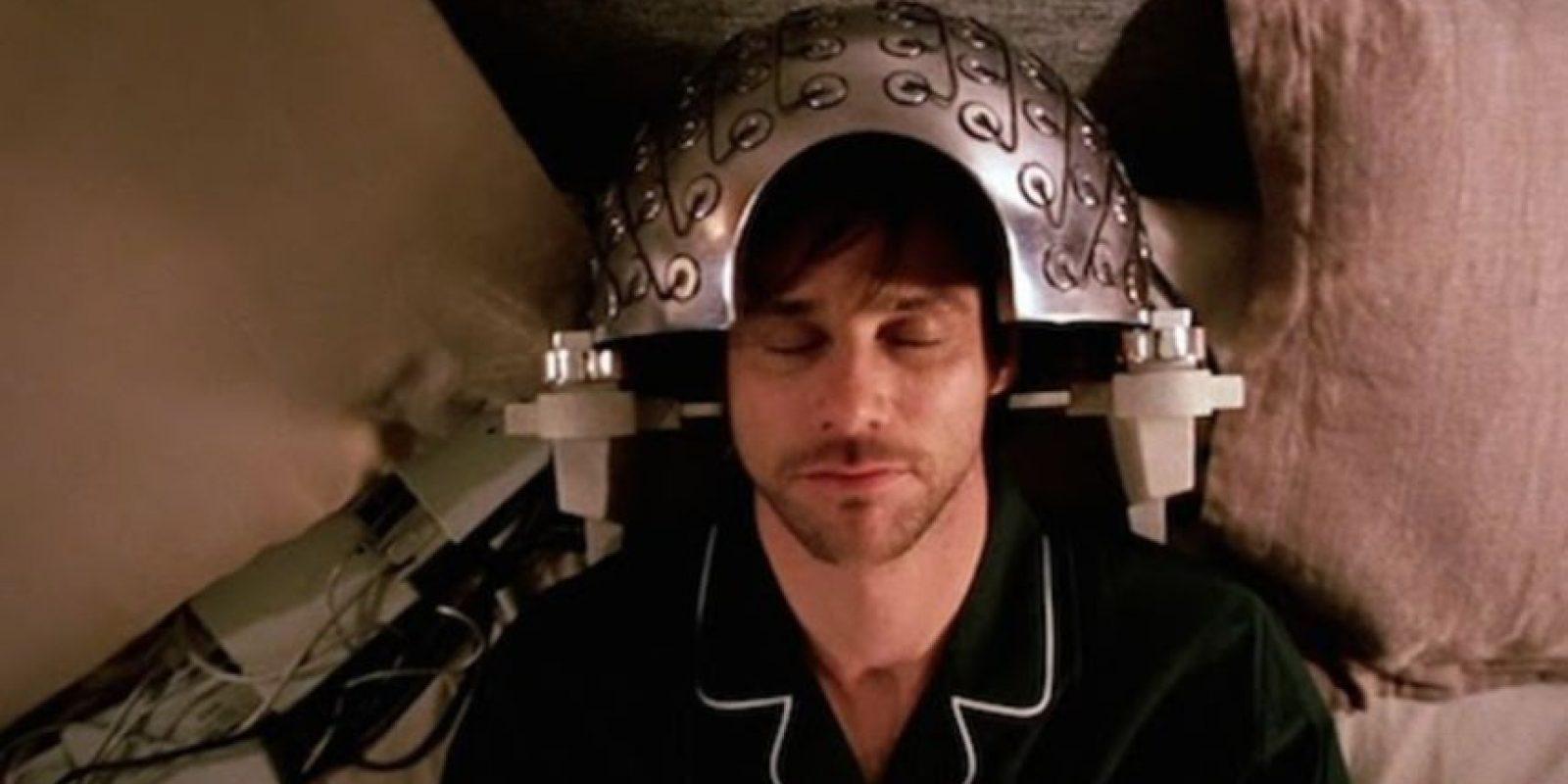 Cascos para analizar el cerebro y su actividad. Foto:YouTube