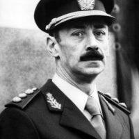 El ex mandatario argetino fue sentenciado a cadena perpetua por delitos de lesa humanidad durante la dictadura militar de 1976 a 1983 Foto:Wikimedia