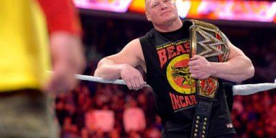 Después derrotó a Cena y se hizo con el cinturón de los Pesos Pesados Foto:WWE