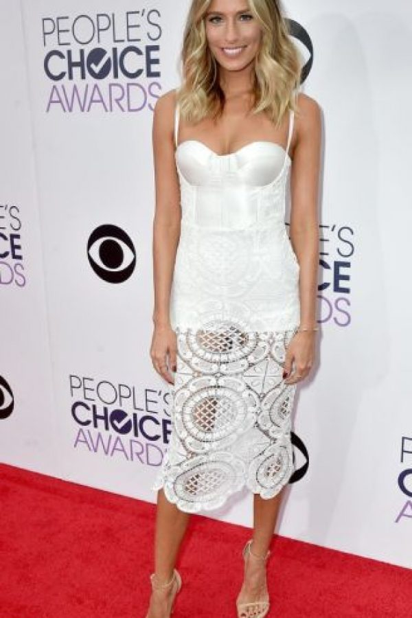 Renee Bargh en un modelo que combina lencería y bordado Foto: Getty Images
