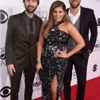 Hillary Scott, en un cuestionable modelo con prints Foto: Getty Images