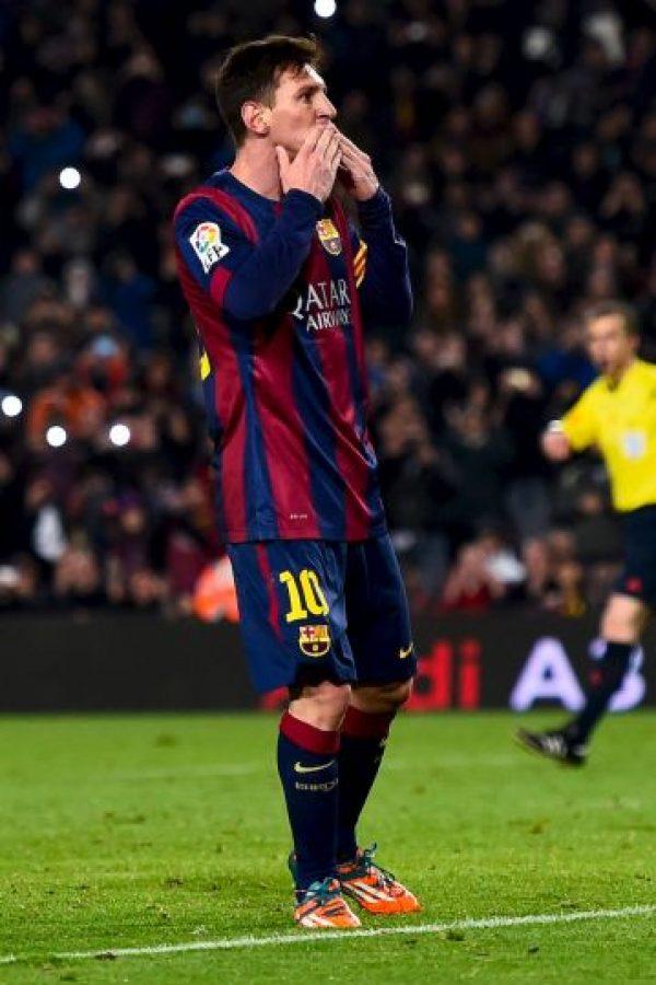 Messi mandó besos a la afición tars el gol. Foto:Getty Images