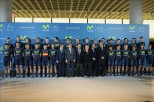 Fotografía de grupo de la presentación del Equipo Movistar de ciclismo, que ha tenido lugar hoy en la sede de Telefónica de Madrid. EFE