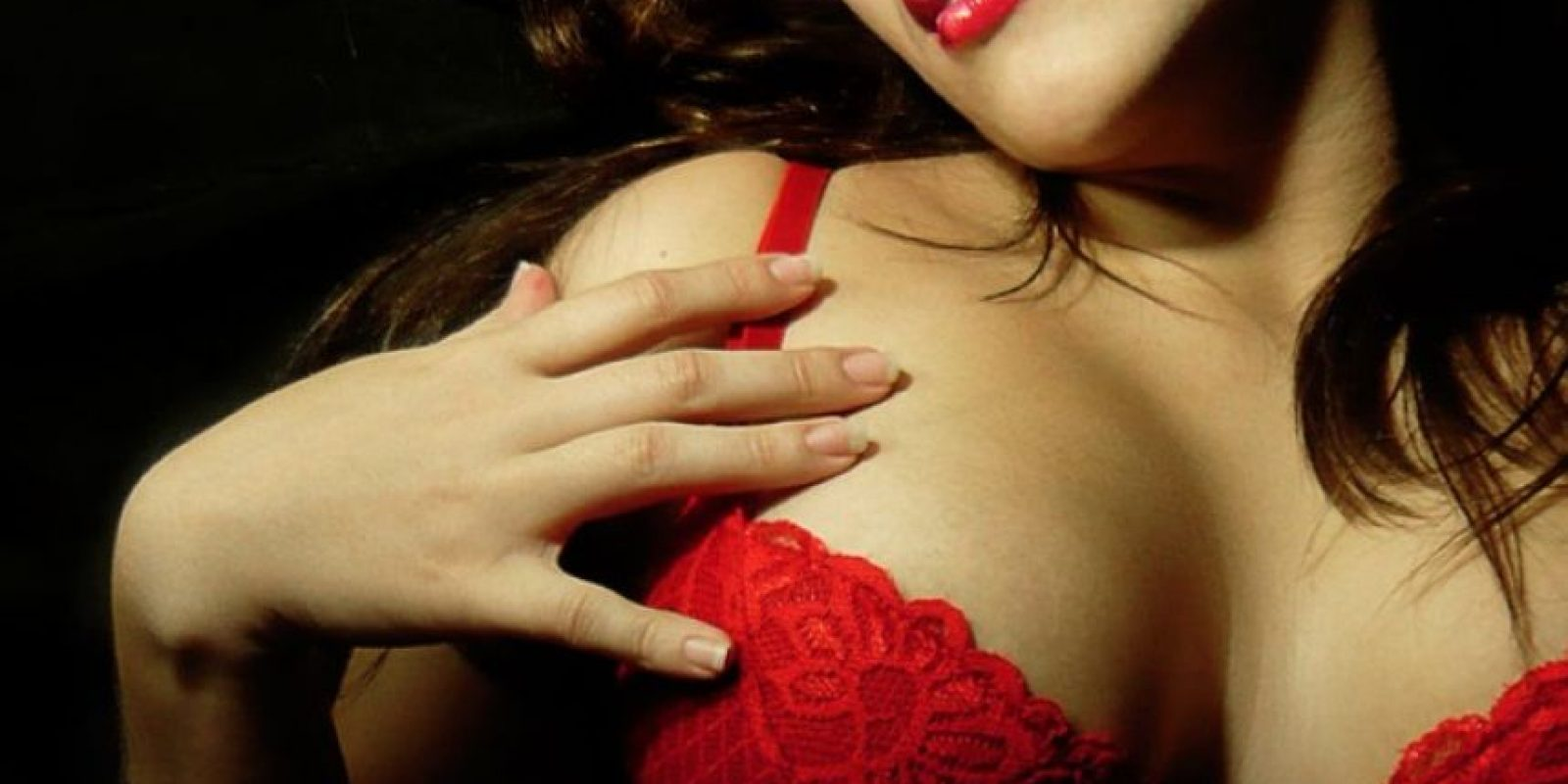 5. En flor de loto pero apoyada sobre los brazos mientras te mueves sobre él. Foto:Tumblr.com/Tagged-sexo-mujeres