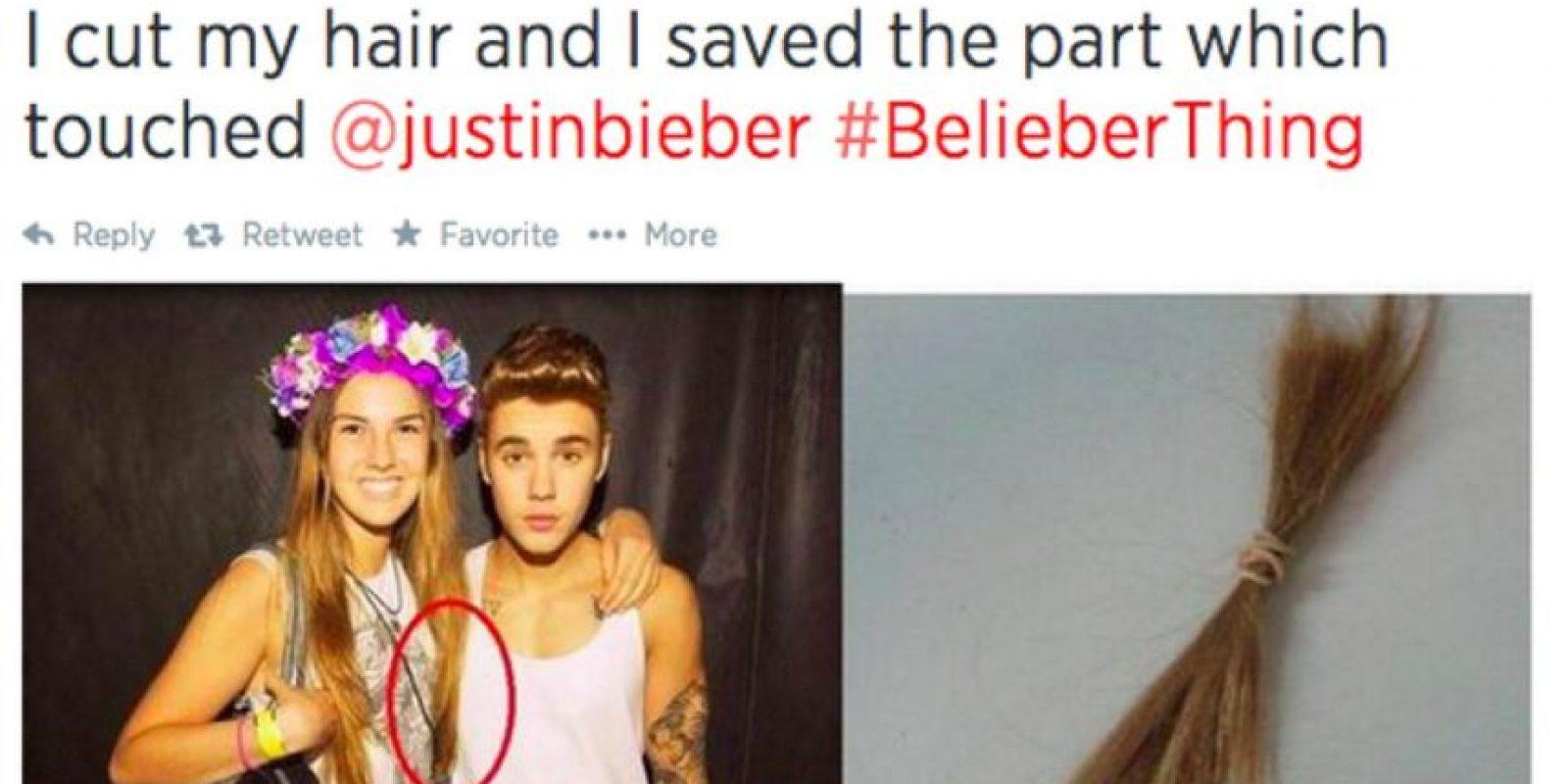 El pelo que tocó a Justin. Foto:Twitter
