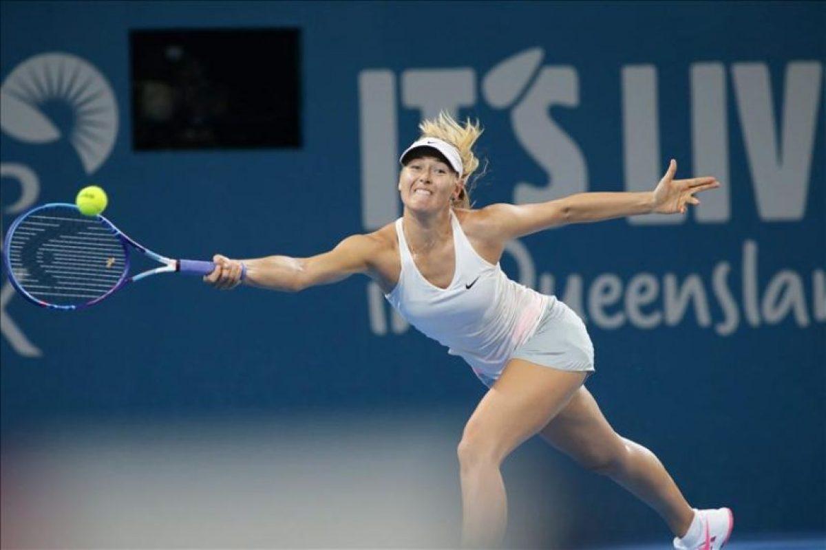La tenista Maria Sharapova, durante el partido de hoy del torneo de Brisbane, contra Ana Ivanovic. EFE
