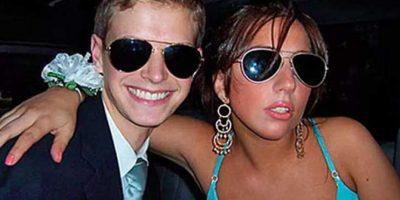 """Sin peinados excéntricos, ella también gozó su """"prom"""" Foto:Listcovery"""
