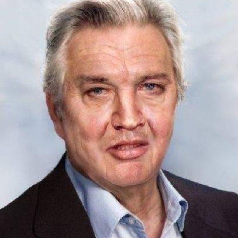 Pues bien, el sitio Phojoe, especializado en envejecer rostros, mostró cómo quedaría Elvis si hubiese vivido para esta época. Foto:Phojoe