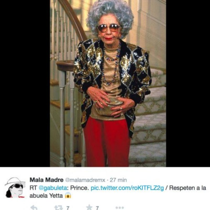 "Y con la abuela Yetta, de ""La Niñera"" Foto:Twitter"