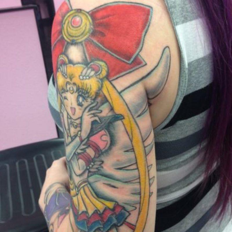 La usuaria dice que Sailor Moon cambió su vida y por eso la puso en su brazo. Foto:WasHuZ/Imgur