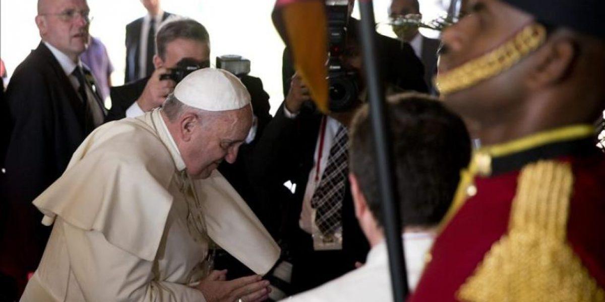 El papa abogó por el diálogo interreligioso durante primer día en Sri Lanka