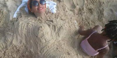 Beyoncé, ¿embarazada? con esta fotografía, la cantante estadounidense desató rumores de un posible embarazo del que sería su segundo hijo. Foto:Instagram