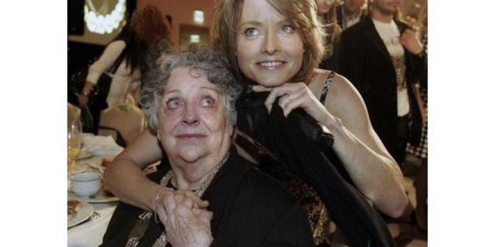 Evelyn, la mamá de Jodie Foster era gay y crió a la actriz con la ayuda de su novia. Foster también salió del clóset públicamente durante la ceremonia de los Globo de Oro de 2013. Foto:Efe