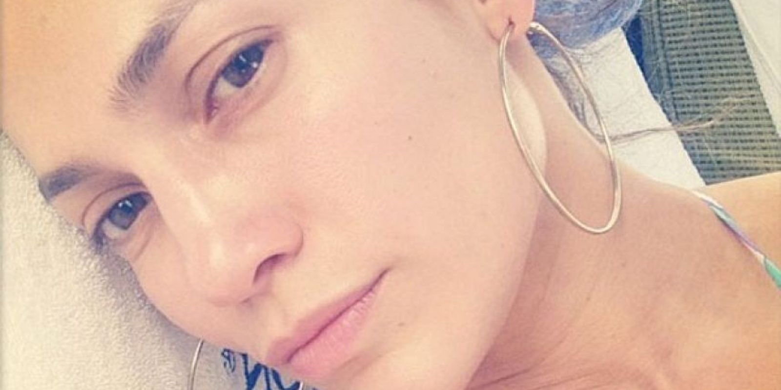 Aquí tenemos a Jennifer López después de darse un chapuzón en la piscina Foto:Instagram/Jlo