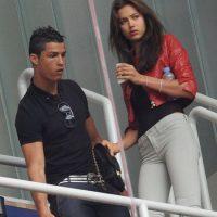 Cristiano e Irina durante un partido del Real Madrid en abril de 2011. Foto:Getty Images