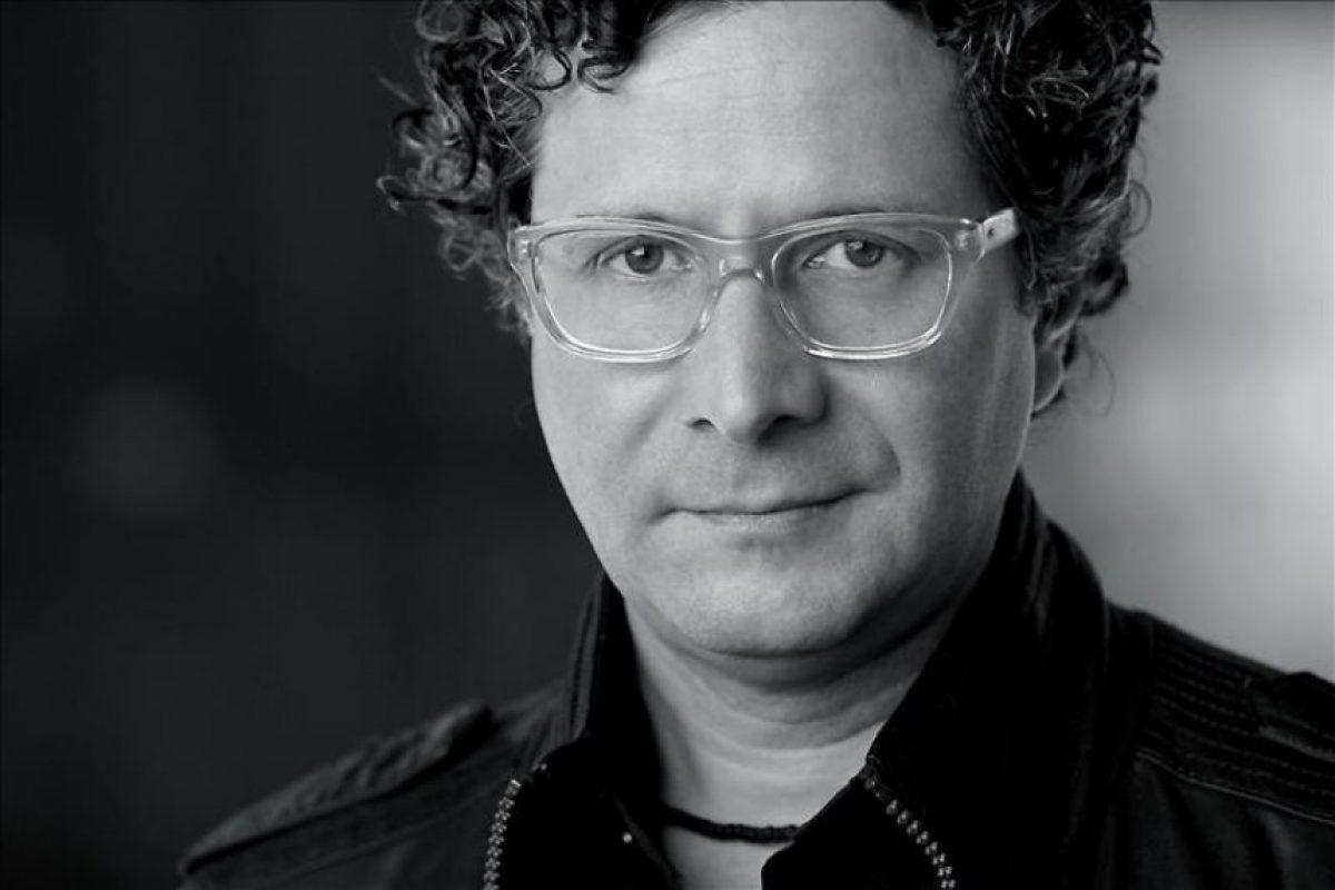 """Fotografía cedida por Producciones Insurgentes que muestra al venezolano Alberto Arvelo, director de la película """"Libertador"""". EFE"""