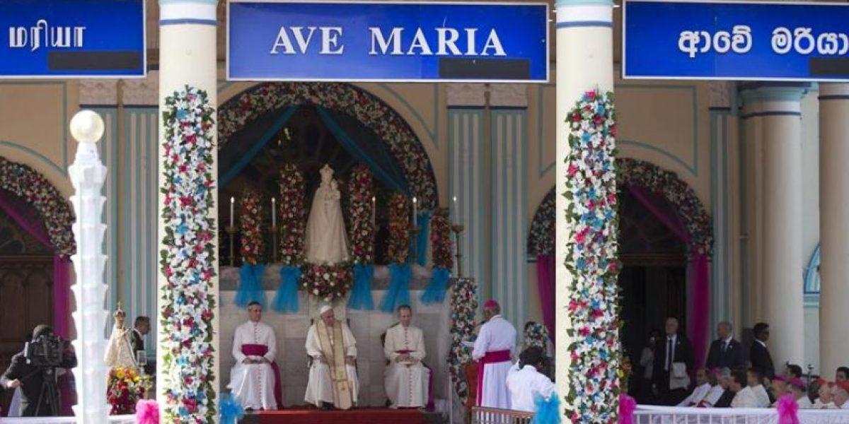 El papa pide en Sri Lanka la reconciliación entre cingaleses y tamiles