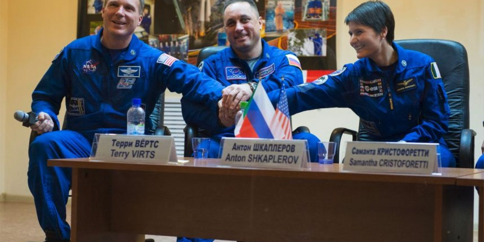 De izquierda a derecha: Terry Virts, Anton Shkaplerov y Samantha Cristoforetti Foto:Getty Images