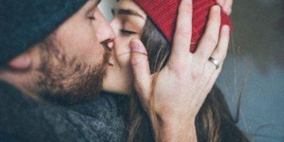 Esto reafirma los estudios de la psicóloga Deborah Davis de la Universidad de Nevada, en el cual los amantes con vínculos de amor estables estuvieron más dispuestos a experimentar sexualmente y reportaron disfrutar más del sexo que aquellos cuyos vínculos eran menos sólidos. Foto:Tumblr