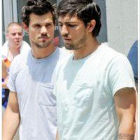 Taylor Lautner con su doble en Crepúsculo.