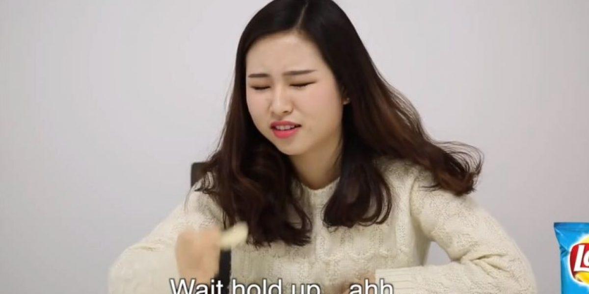 VIDEO: ¡Con asco! Así reaccionaron coreanas al comer comida chatarra