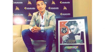 """Maluma recibió Disco de Diamante por las ventas de su del """"PBDB MIXTAPE"""""""
