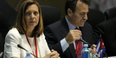 La directora para EE.UU. del Ministerio de Relaciones Exteriores de Cuba, Josefina Vidal, asiste a una reunión en el Palacio de Convenciones de La Habana (Cuba). EFE