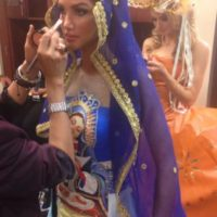 Aunque en la transmisión no los presentaron, este el polémico traje típico de Miss República Dominicana Foto:Twitter/Miss Universo