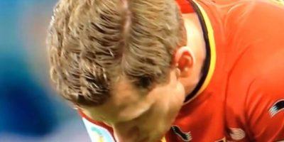 Durante el partido de octavos de final entre Bélgica y Estados Unidos del Mundial 2014, Vertonghen vomitó debido al cansancio y las altas temperaturas brasileñas. Foto:YouTube