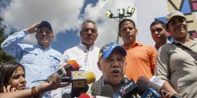 El secretario general de la Mesa de la Unidad Democrática (MUD), Jesús Torrealba, participa en un acto hoy, viernes 23 de enero del 2015, en un barrio de Petare en Caracas (Venezuela). EFE
