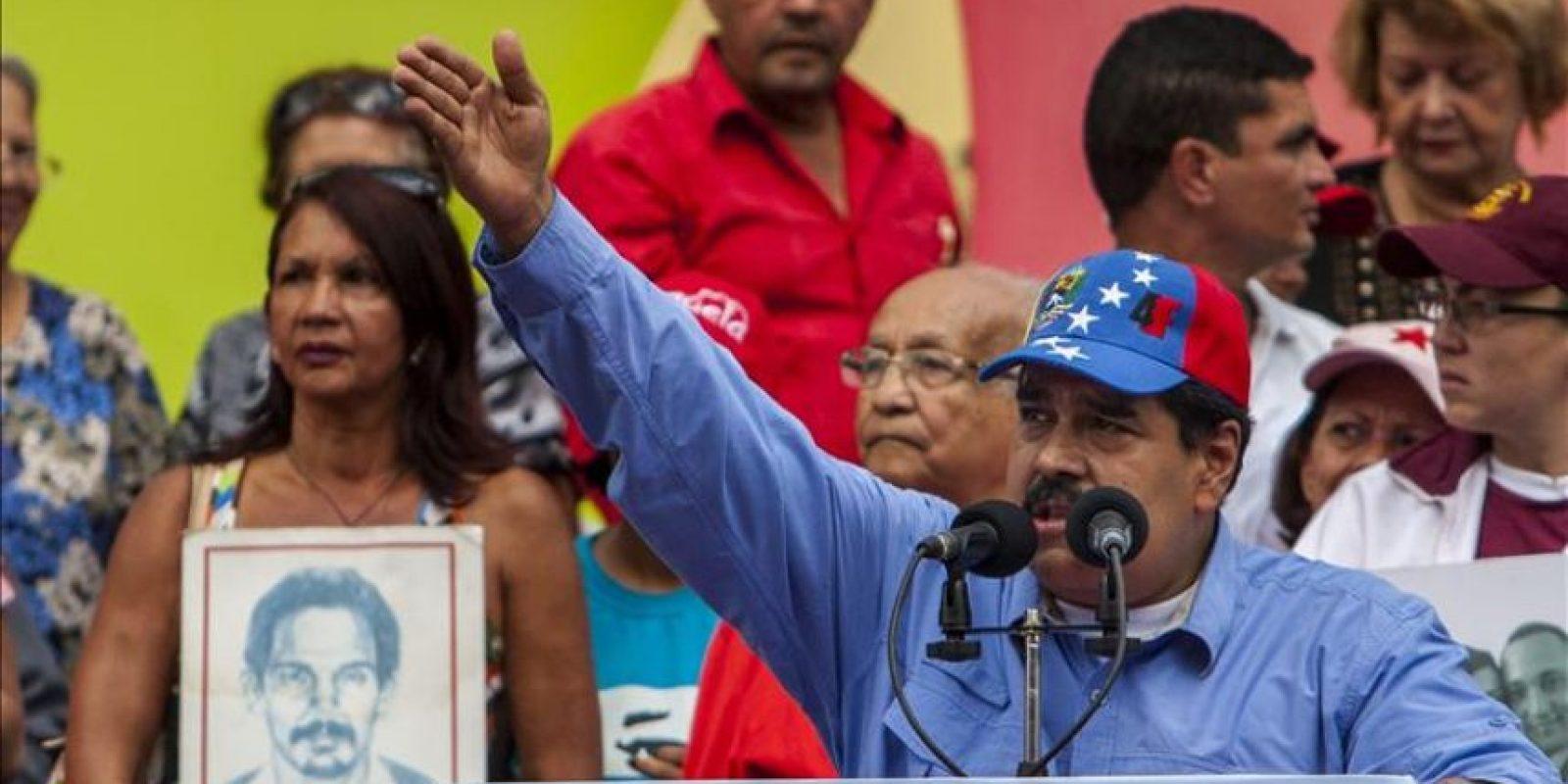El presidente venezolano, Nicolás Maduro, participa en la celebración del 57 aniversario de la instauración de la democracia en Venezuela hoy, viernes 23 de enero de 2015, en Caracas (Venezuela). EFE
