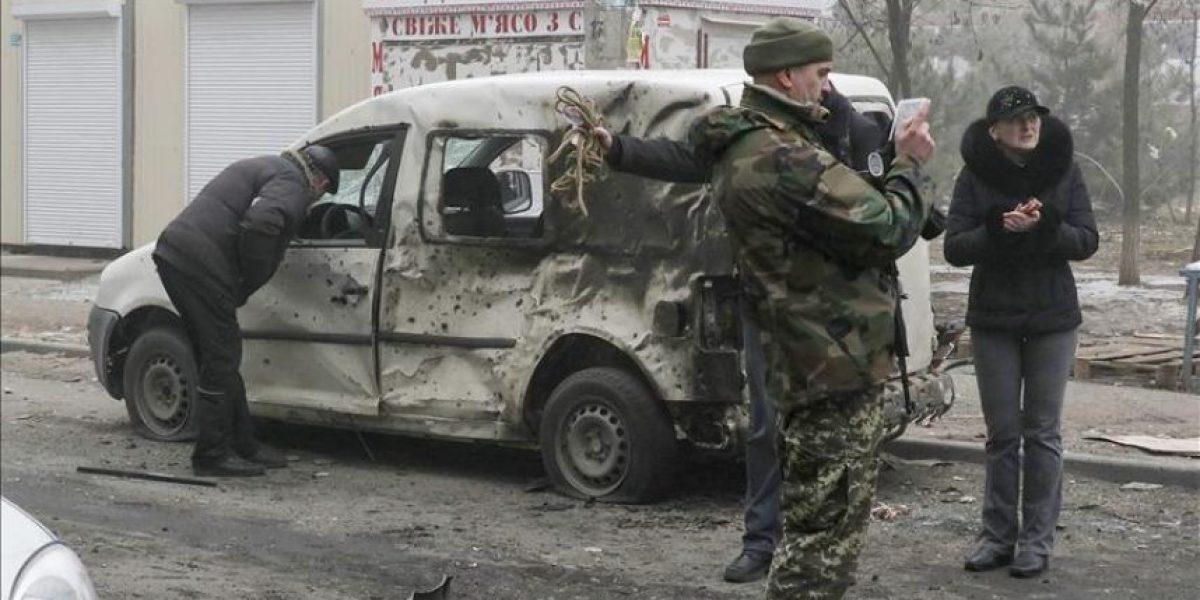 La guerra en Ucrania alcanza Mariúpol, donde mueren al menos 30 civiles
