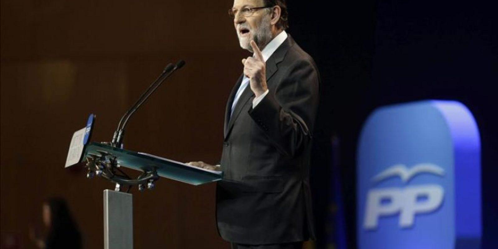 El presidente del Gobierno y del Partido Popular, Mariano Rajoy, durante su intervención hoy en la clausura de la convención nacional del PP, que se ha celebrado este fin de semana en el Palacio de Congresos de Madrid. EFE
